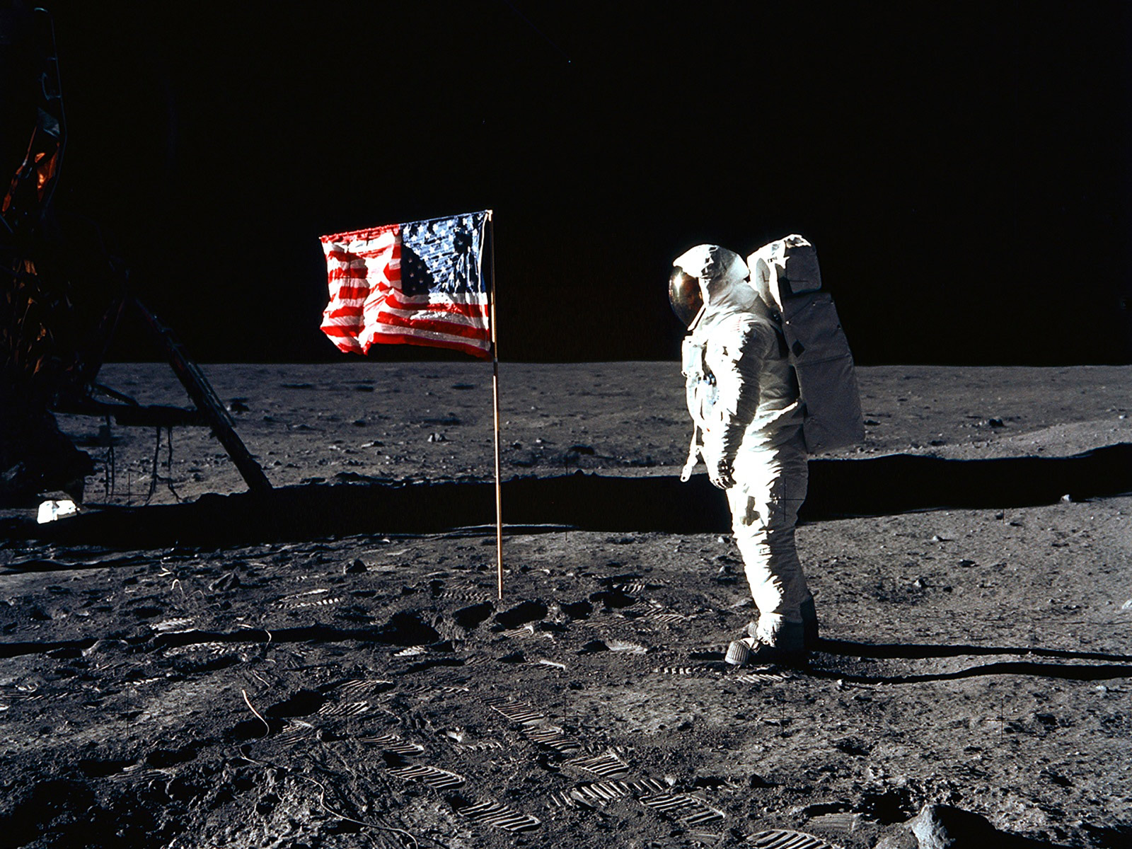 u.s._flag_on_moon__apollo_11_
